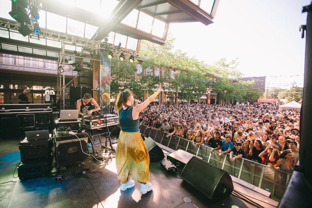 Sylvan Esso_Laneway-Festival-Brisbane-2018_Credit-Bianca-Holderness-7.jpg