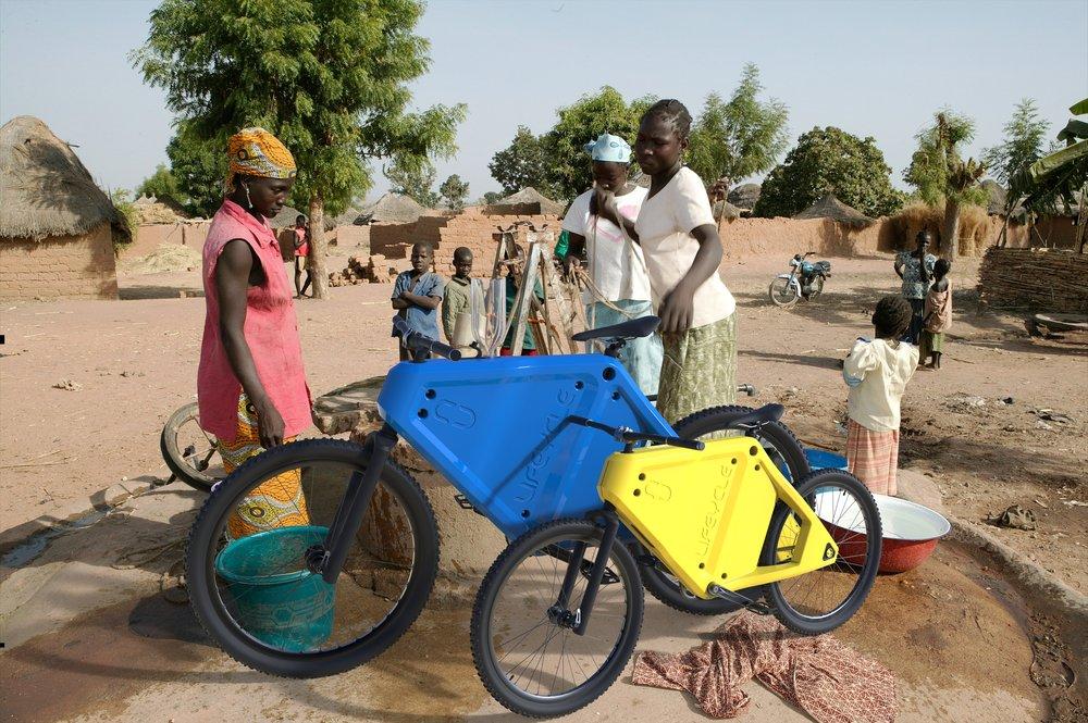 Water Bike Africa Women Well.388.jpg