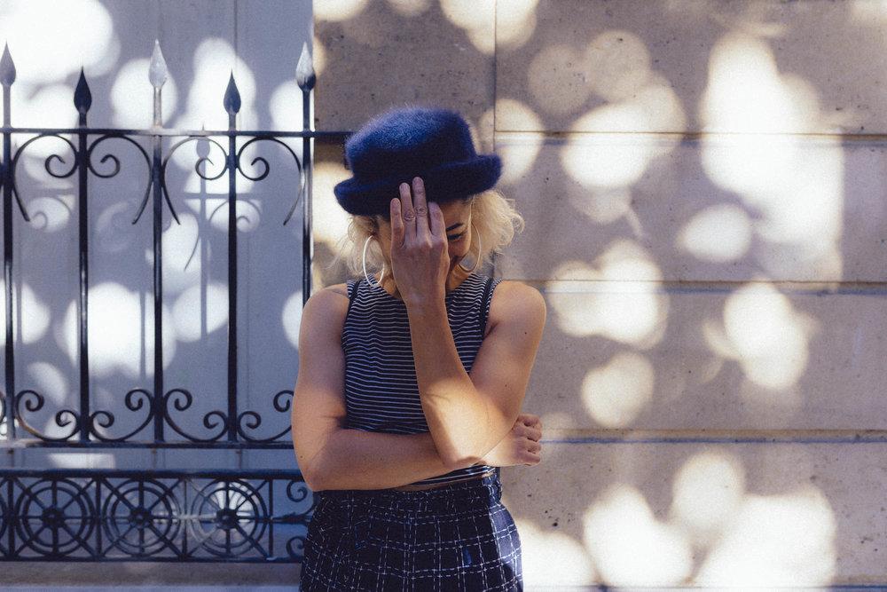 VINTAGE PARIS STYLE - VIBRANT, ENAGING LIFESTYLE IMAGERYELLA