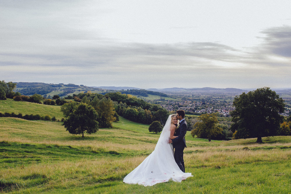 vibrant relaxed vibrant cotswold wedding-122.jpg