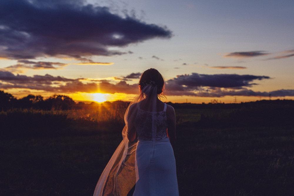 creative relxed birmingham wedding photography-7.jpg