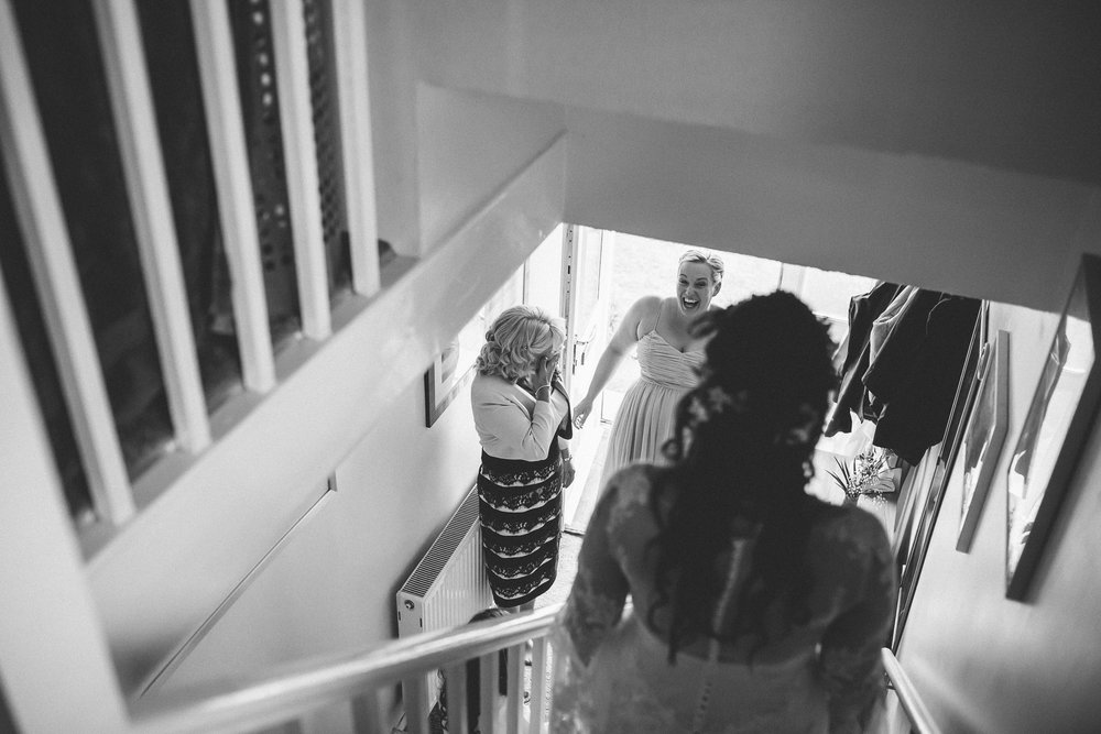 creative relxed birmingham wedding photography-19.jpg