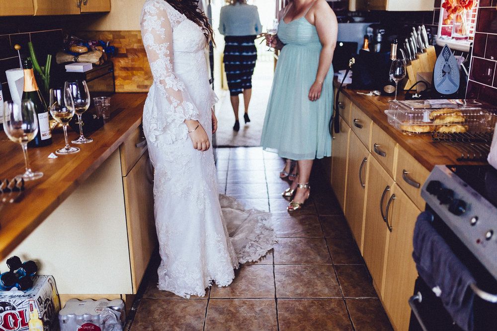 creative relxed birmingham wedding photography-23.jpg