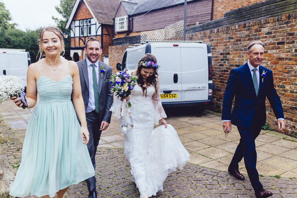 creative relxed birmingham wedding photography-27.jpg