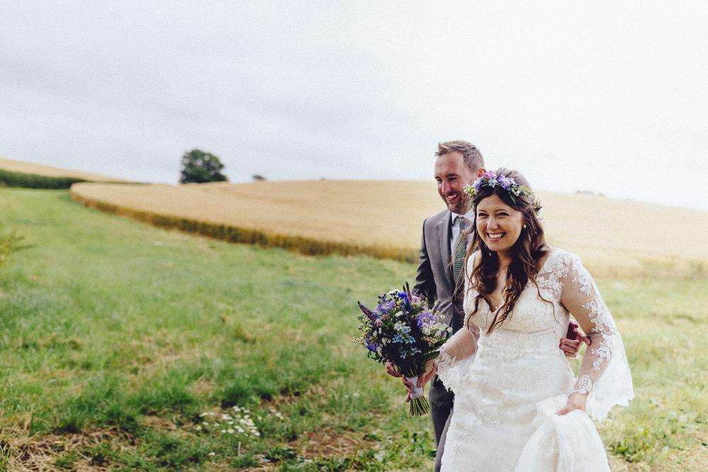 creative relxed birmingham wedding photography-30.jpg