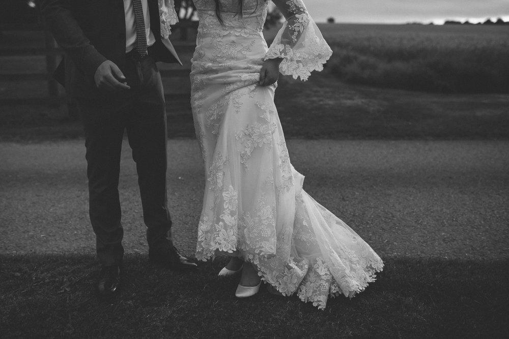 creative relxed birmingham wedding photography-37.jpg