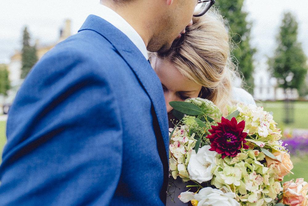 creative relxed birmingham wedding photography-52.jpg