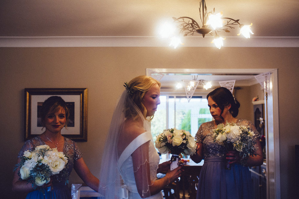 creative relxed birmingham wedding photography-61.jpg