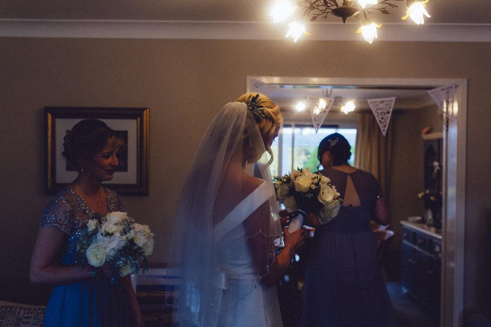 creative relxed birmingham wedding photography-63.jpg