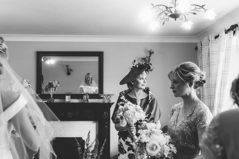 creative relxed birmingham wedding photography-65.jpg
