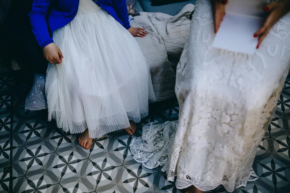 Birmingham relaxed alternative wedding photographer- the secret barn- petal and feast- curious rose photography- laura rhodes- boho bride-0008.JPG