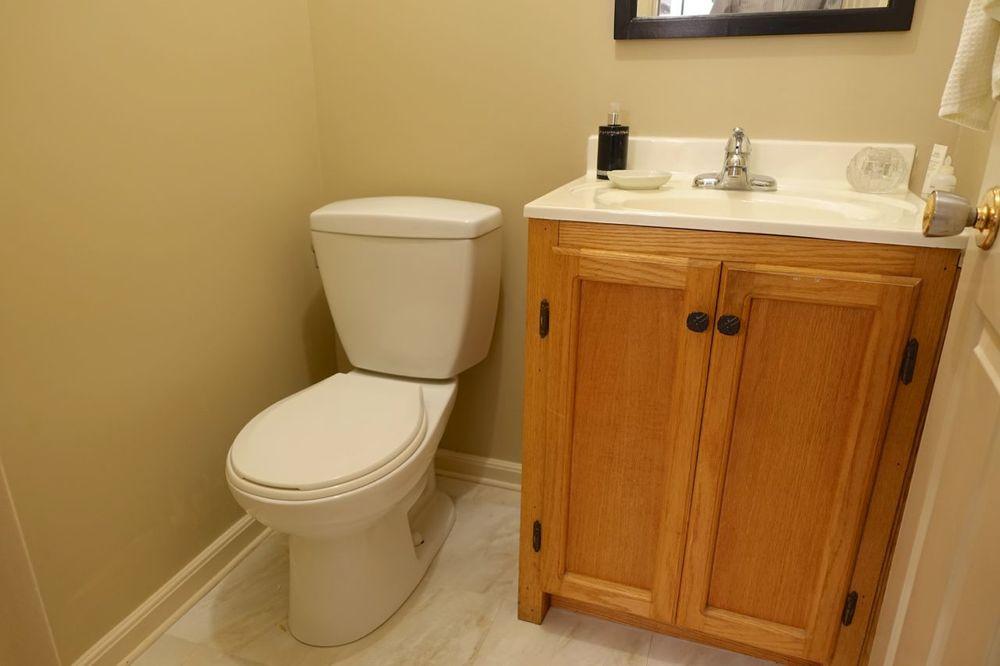 2pc bath Main Floor