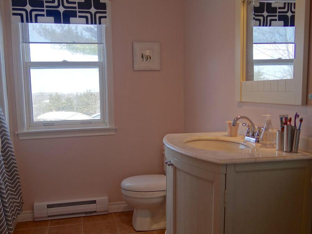 Main Bath - 2nd. Floor
