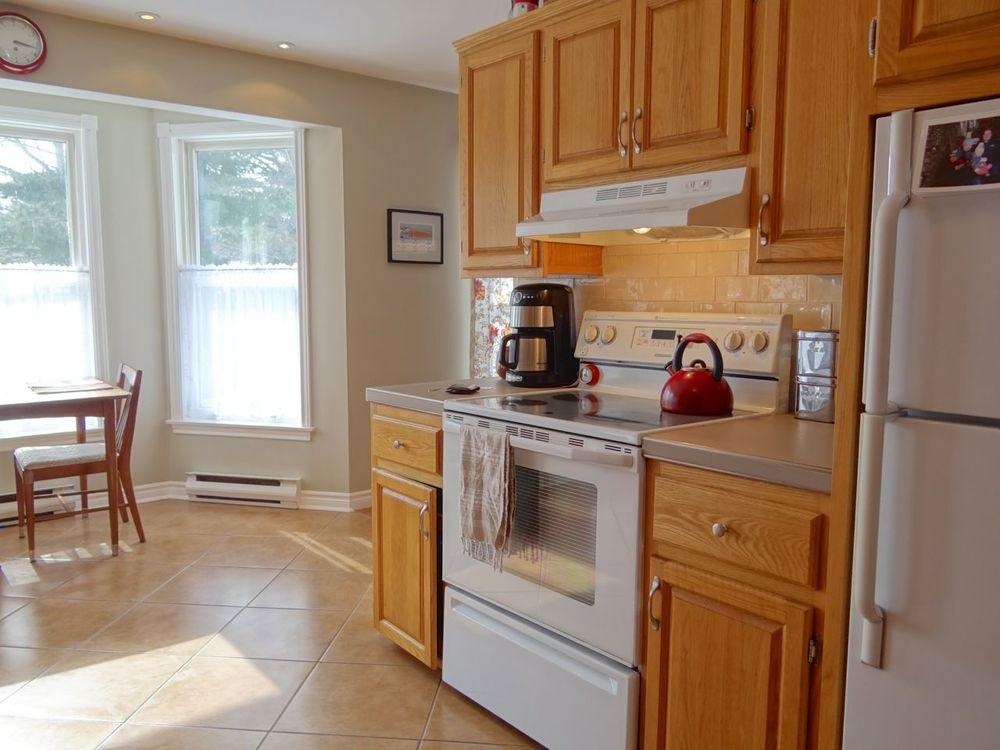 Kitchen / Eating Area
