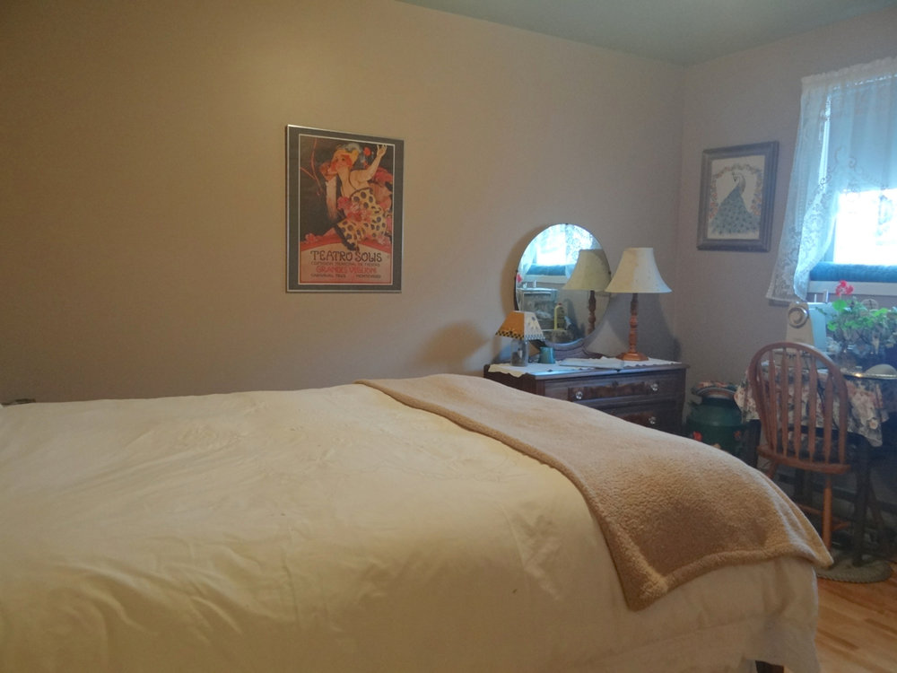 2nd. Bedroom (Main Floor)
