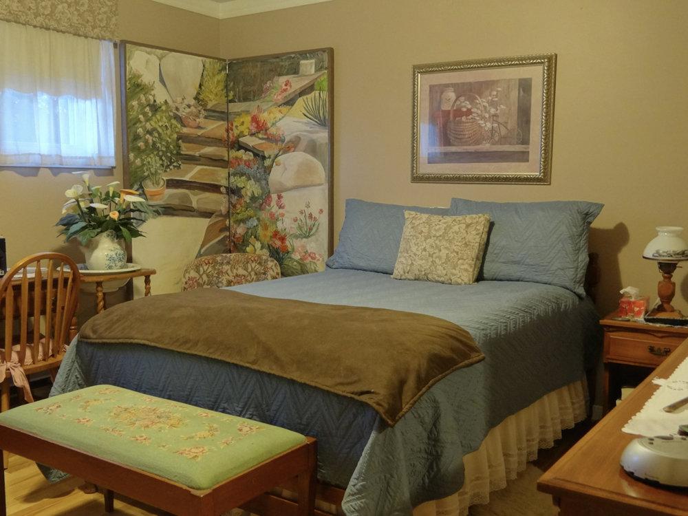 Master Bedroom (Main Floor)