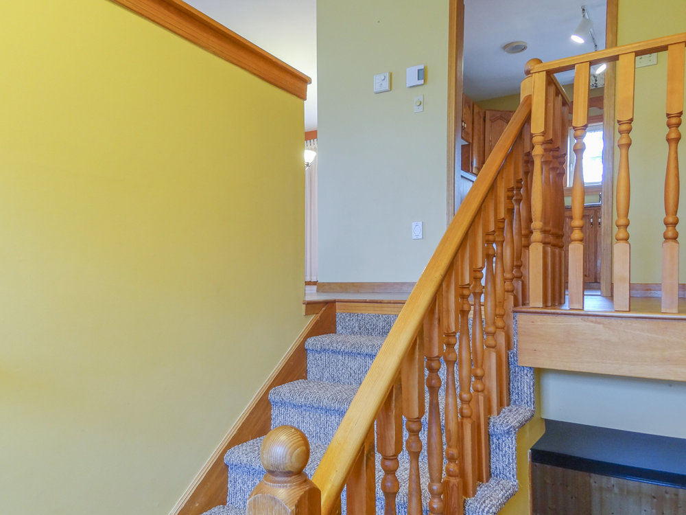 Entry stairway