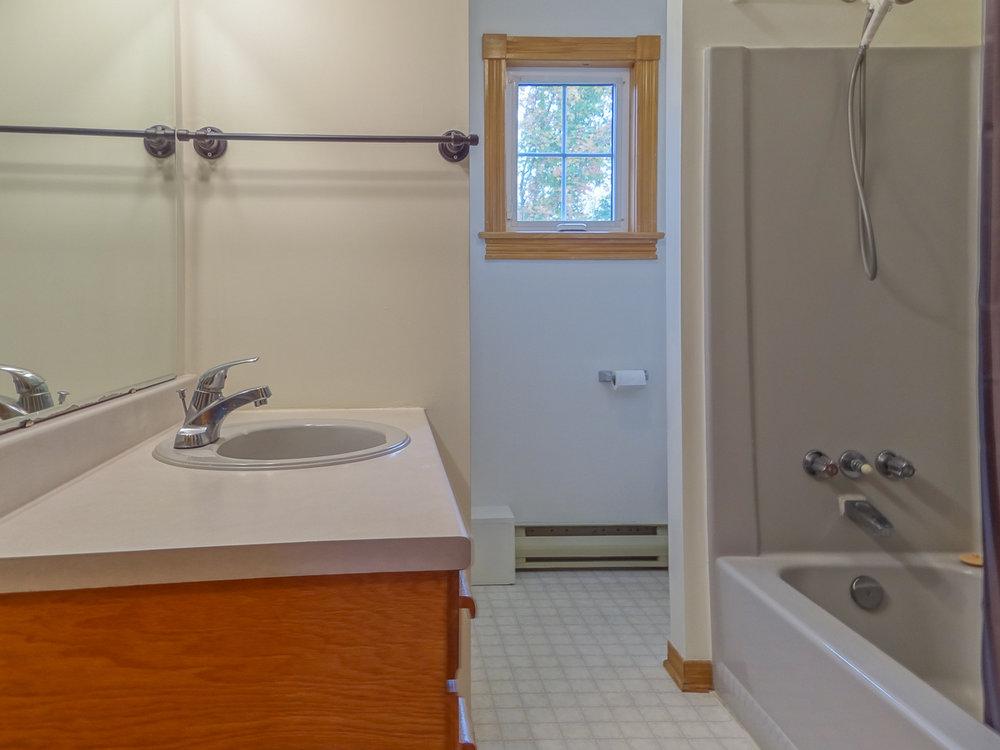 4pc. main floor bathroom