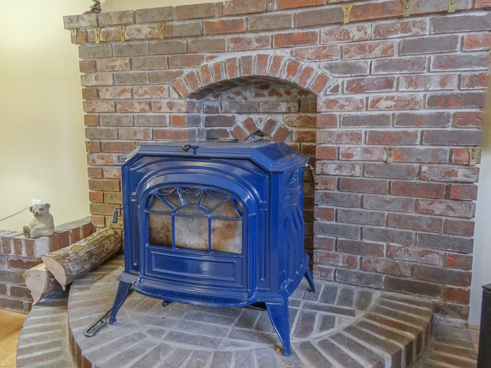 Decorative wood stove