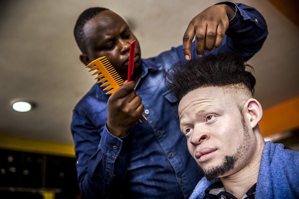 AlbinismBeautyEastAfricaAlJazeeraLuisTato_015.jpg