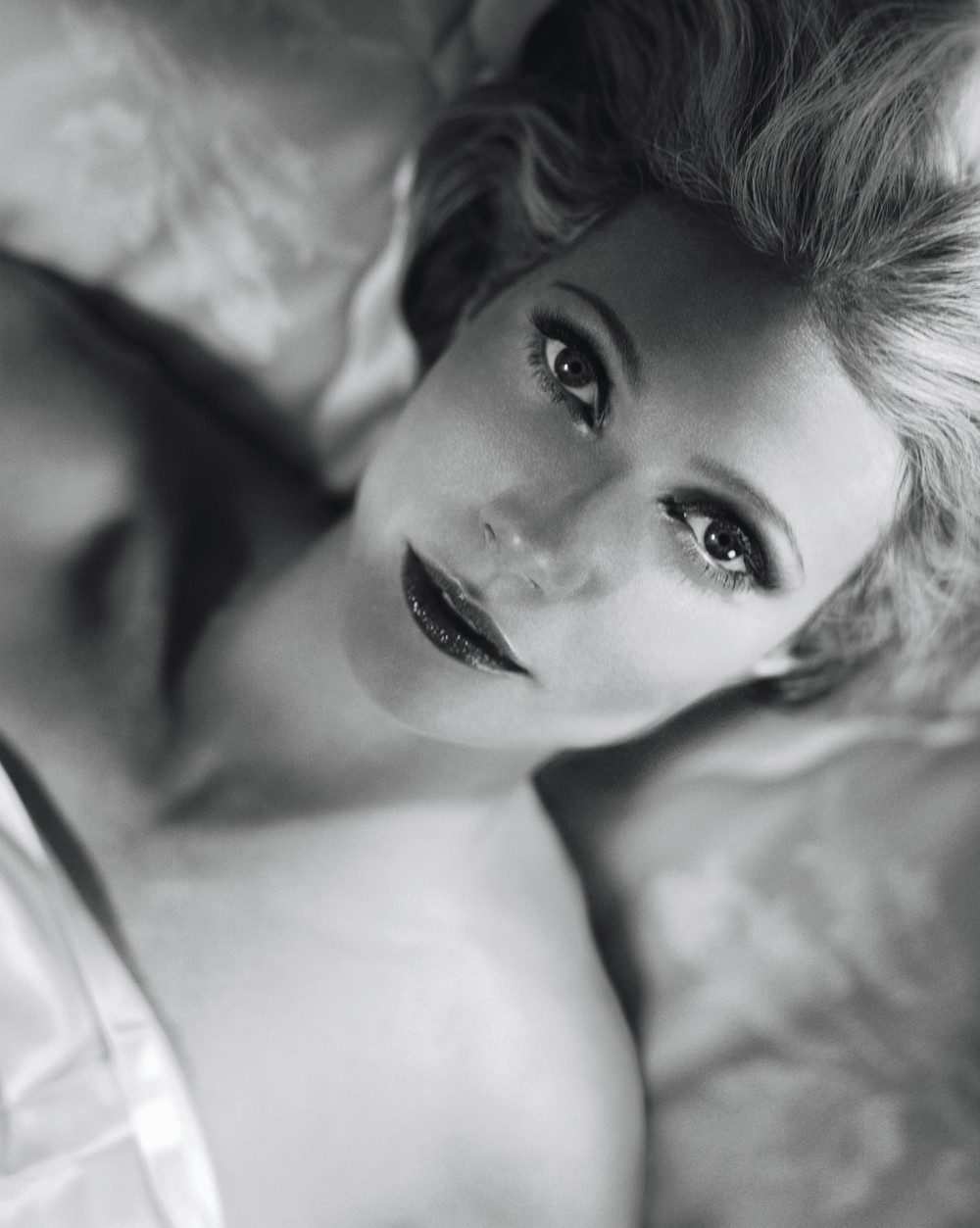 22823-1382453735-Gwyneth Paltrow by Vincent Peters.jpeg