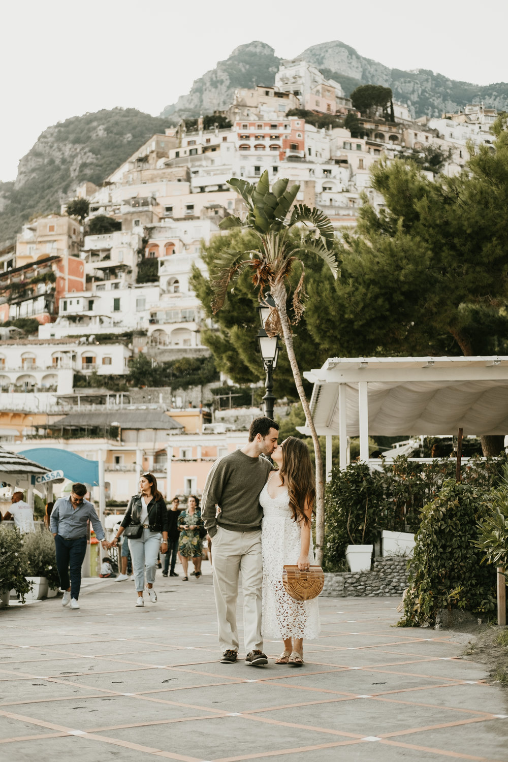 positano-italy-spiagga-honeymoon-amalfi-coast