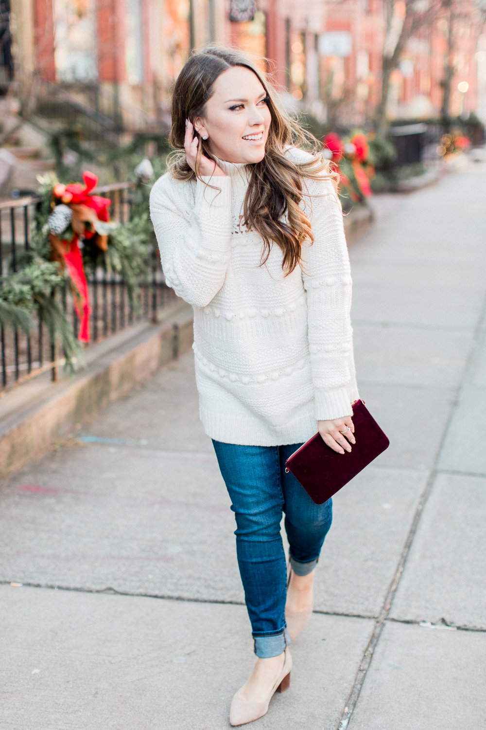 Gorgeous Travel-Friendly Holiday Outfits - Chic and comfortable outfits you still have time to purchase this Christmas season!