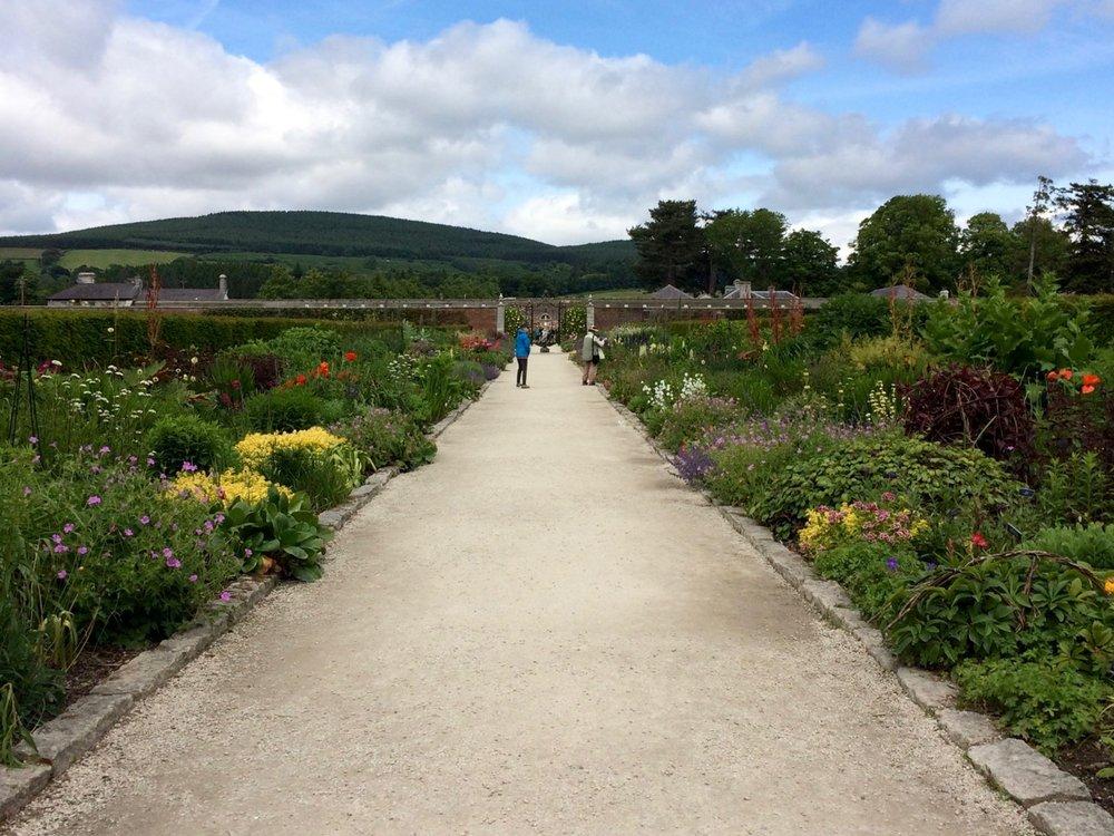 powerscourt_garden