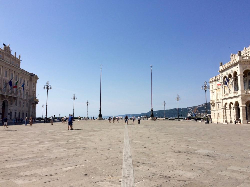 trieste_piazza.jpg
