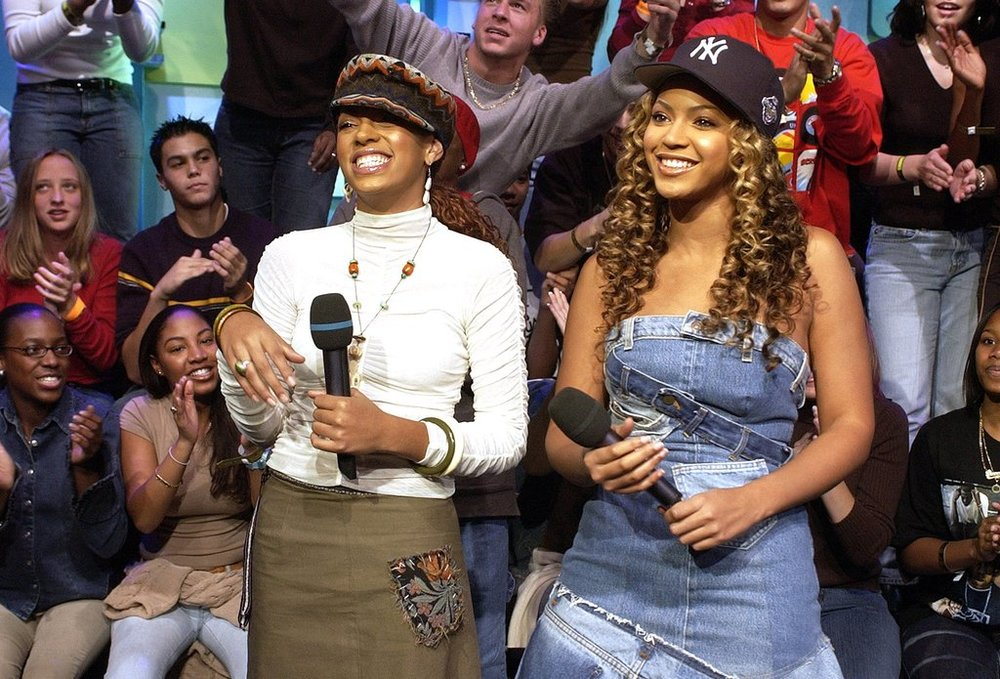 Beyoncé and Solange being the most early aughts on TRL.