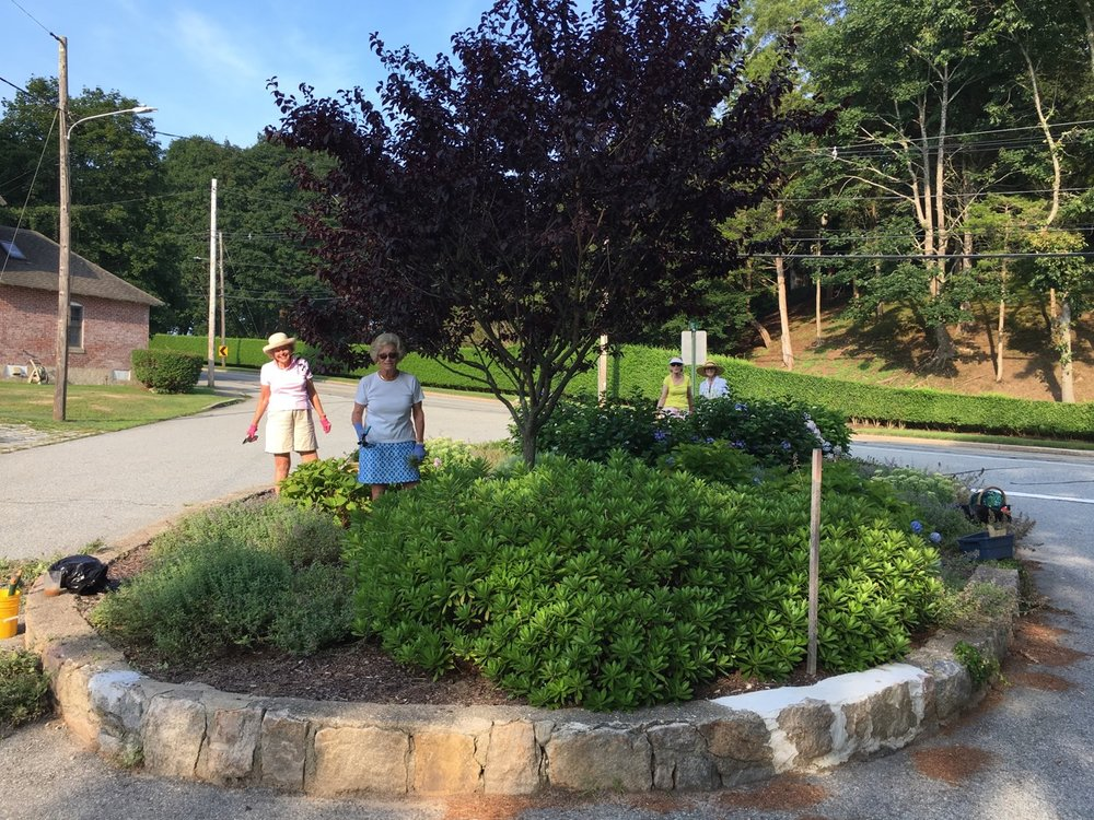Landscaping Committee at Ridge Road