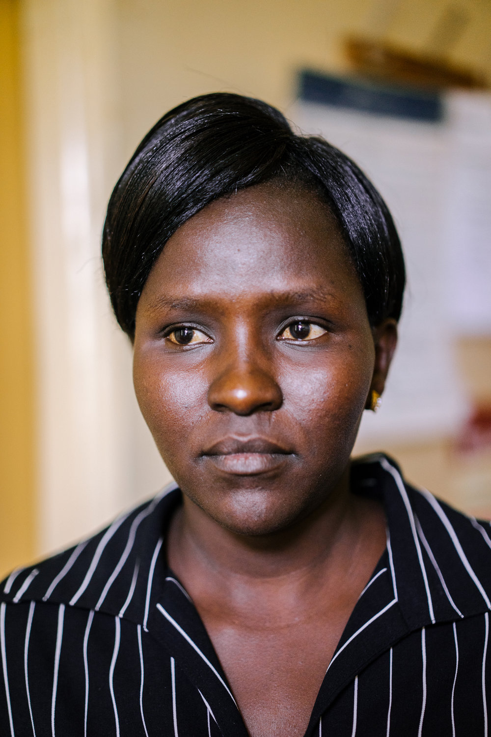 Laura has this woman's name. She is a doctor at the Bumula Health Center and clandestinely provides abortions to women in need, despite the fact that it is illegal to do so.