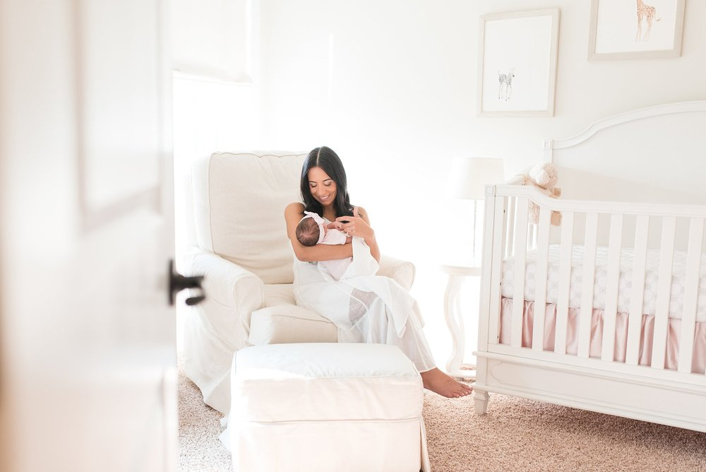 Newborn-Photographer-Lifestyle-Photography-Pittsburgh-Rachel-Rossetti-In-Home-Motherhood