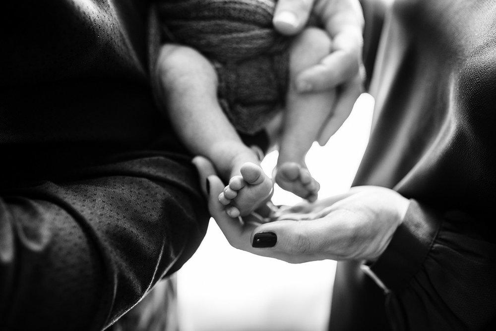 Newborn Lifestyle Photography Pittsburgh Lawrenceville Rachel Rossetti_0565.jpg