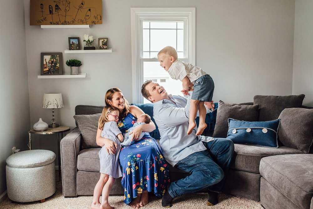 In-Home-Lifestyle-Newborn-Photographer-Pittsburgh-Rachel-Rossetti-Photography-What-to-clean-how-to-prepare_0057.jpg