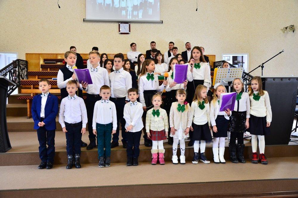 Copiii de la scoala duminicala,Tarasauti.jpg