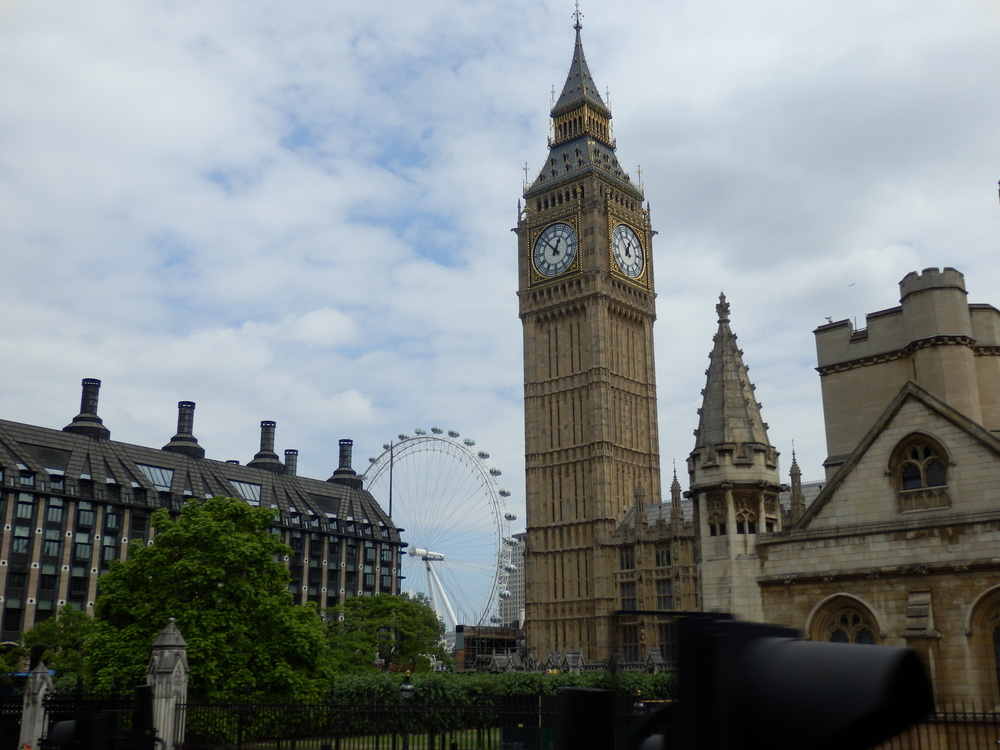 the_Elizabeth_tower_and_London_eye