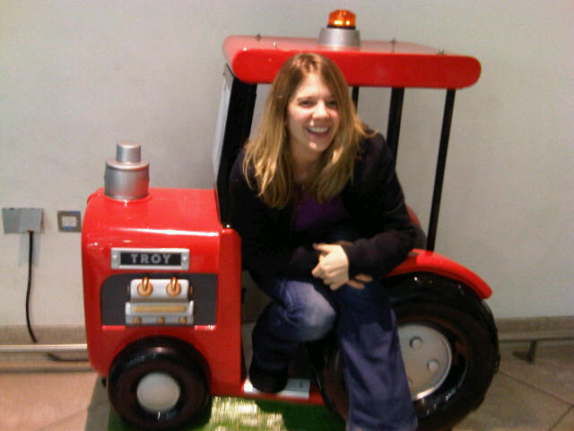 mini_tractor_airport