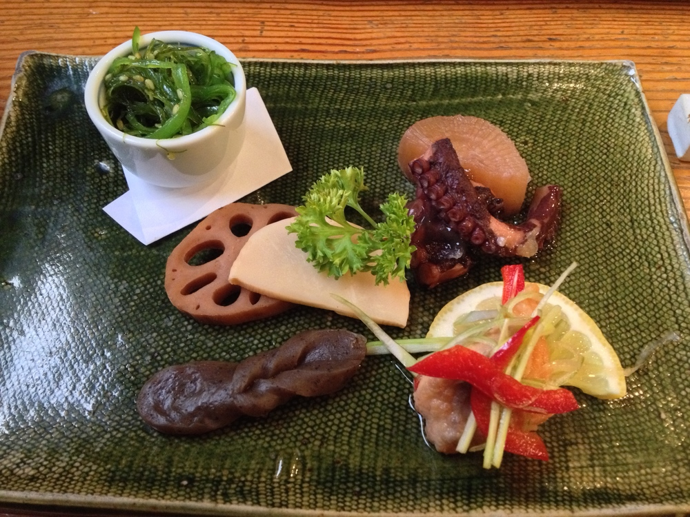 Zensai-Mariawase (assorted appetizer of Japanese pickles, fish, and seaweed)