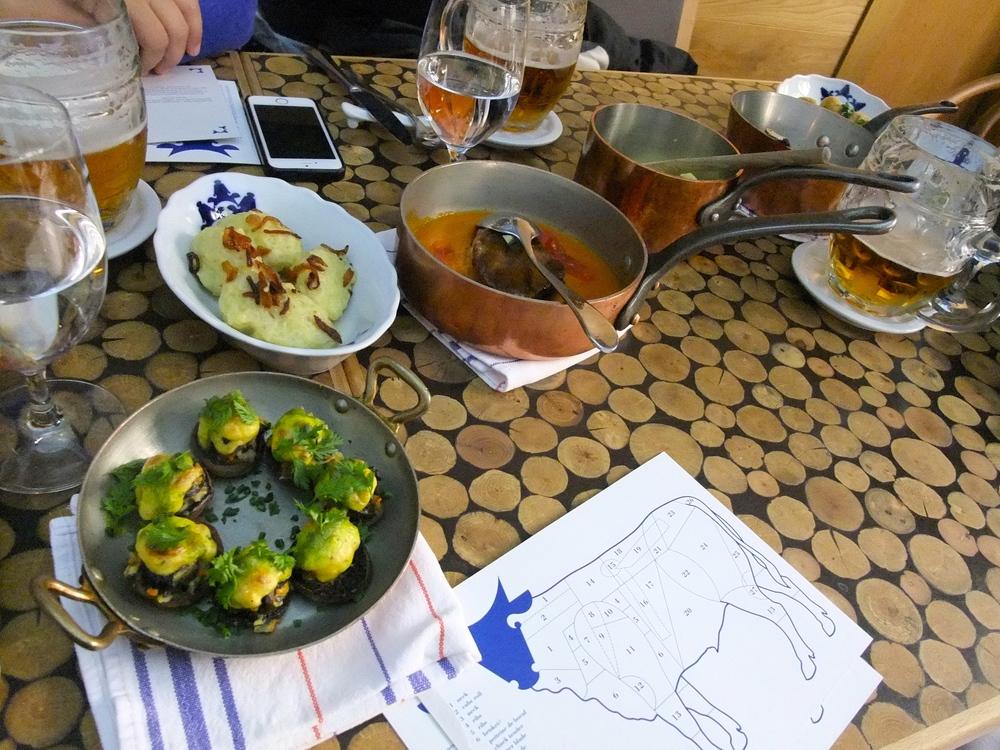 Food tasting at Cestr