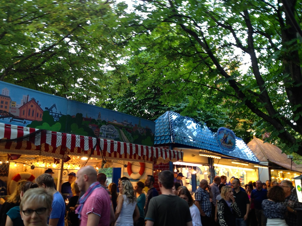 Food stalls at the Hamburger Fischmarkt