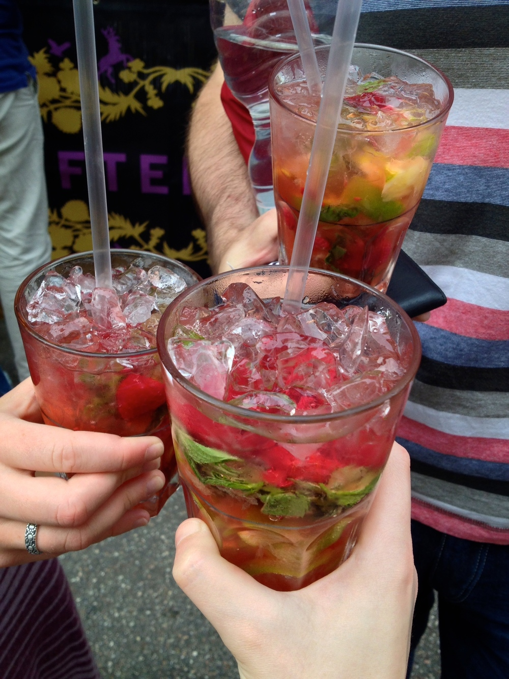 Raspberry mojitos at Hüftengold