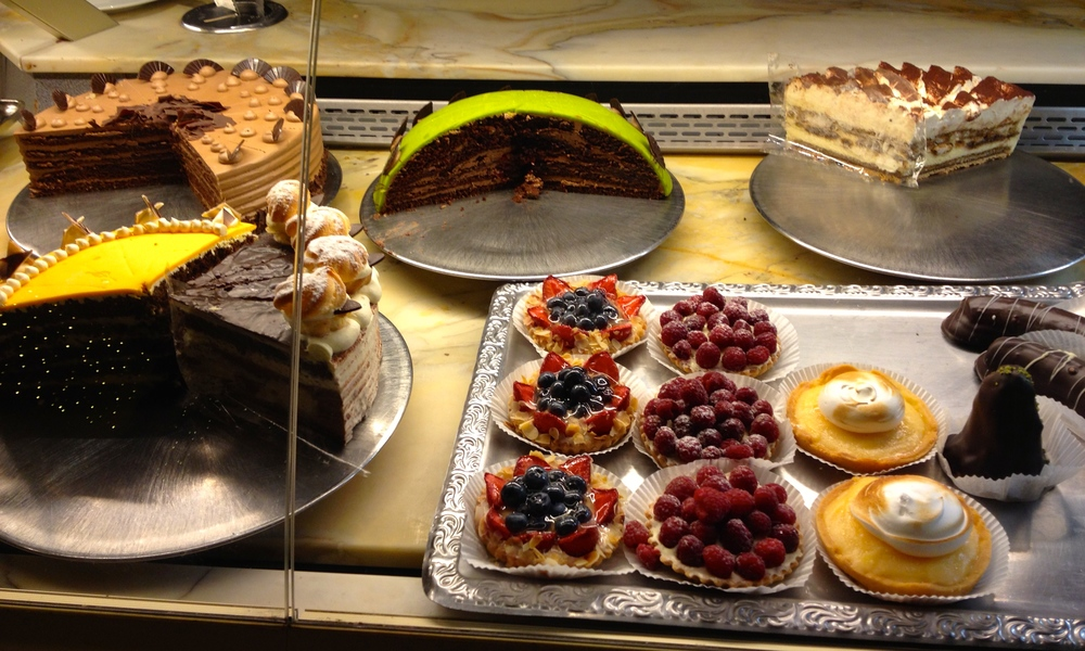 "The ""fancy"" café cakes"