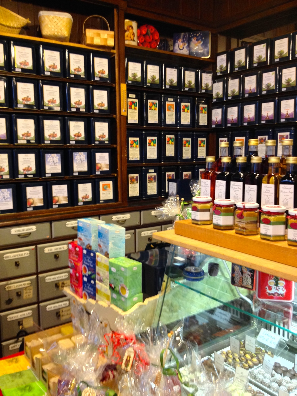 Tea on the shelves at the  Herrenberger Teehaus