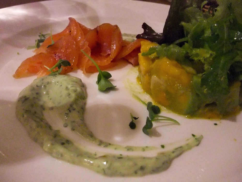 Smoked salmon appetizer with mango-avocado salad