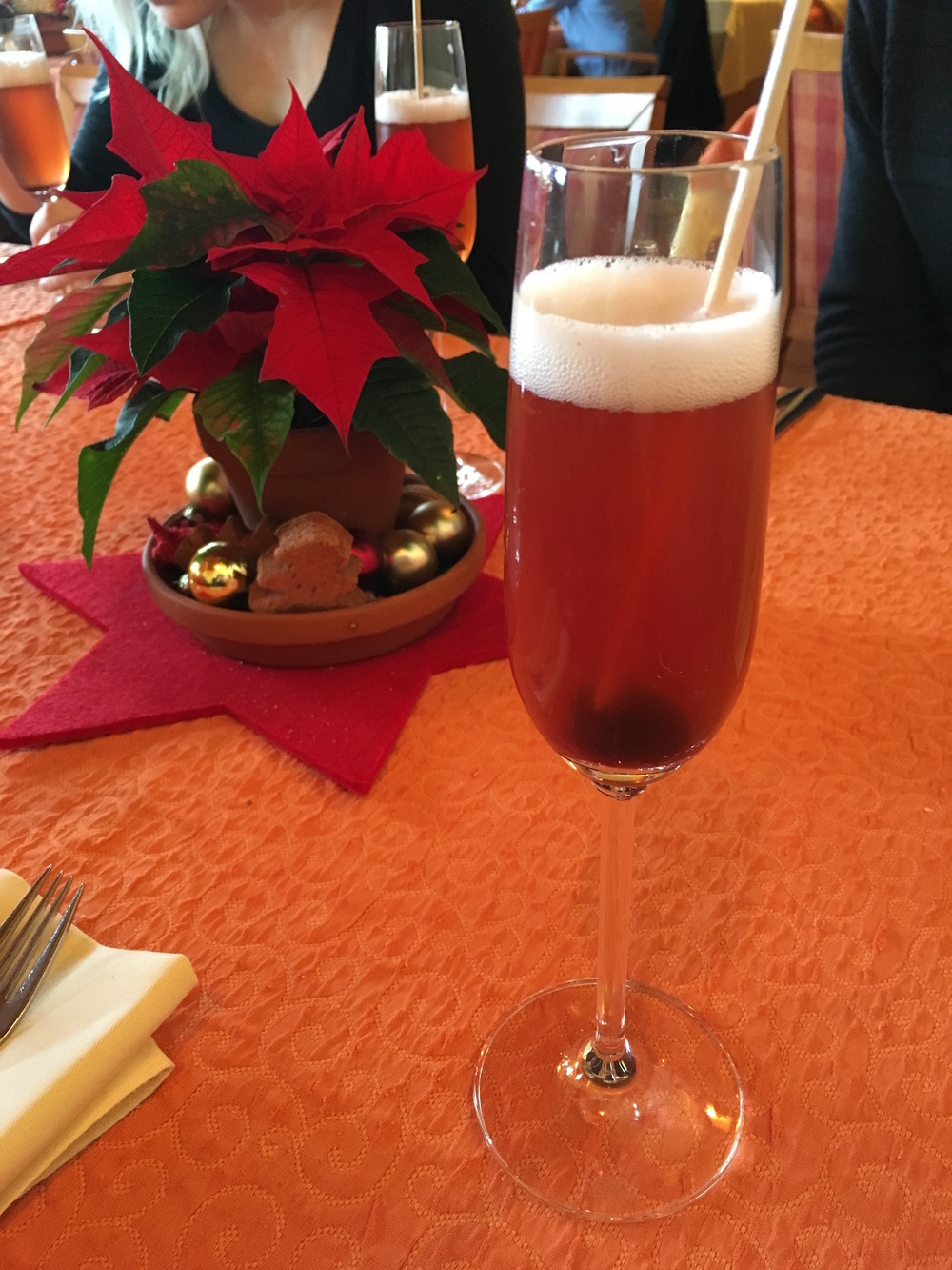 Sipping seasonal  Glühsekt
