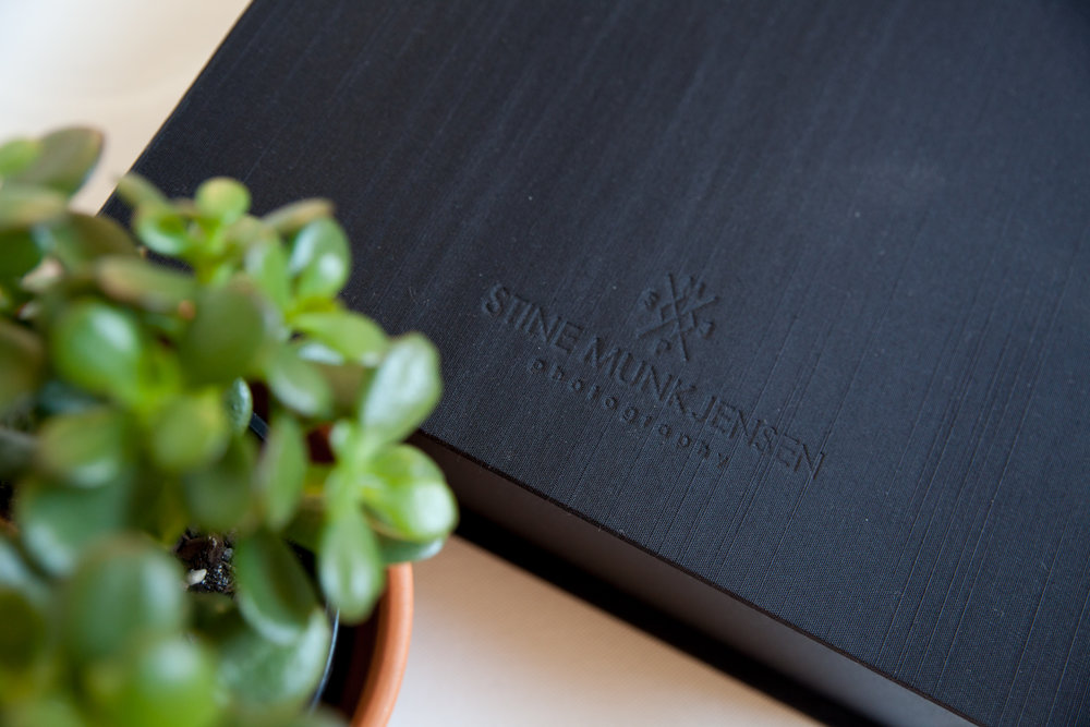 All folio boxes are embossed with the studio logo