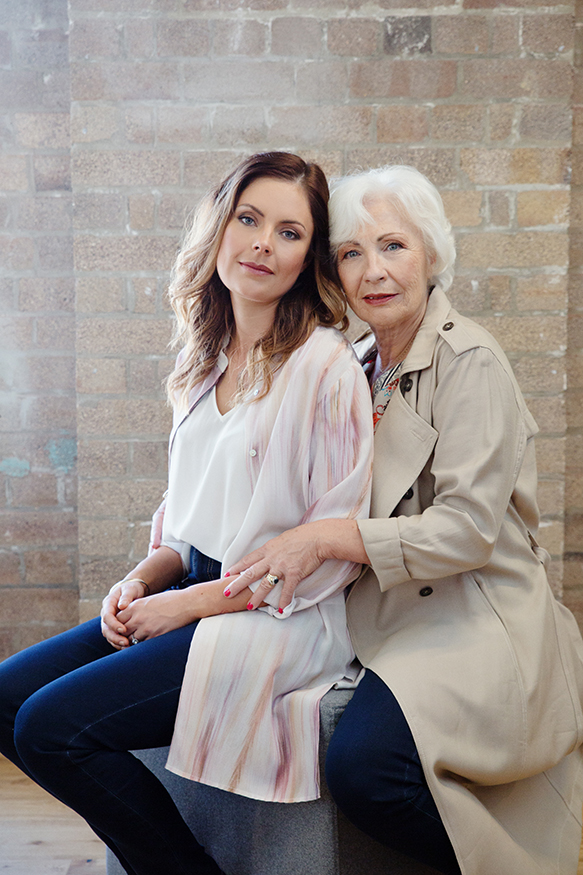sydney-portrait-photographer-mothers-day-campaign-punch-park-mother-and-daughter.jpg