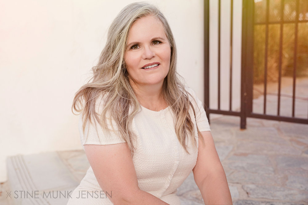 sydney-portrait-photographer-white-dress-portrait-palm-springs