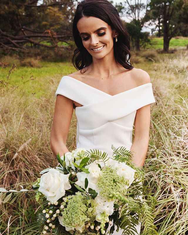✨Beautiful Bella ✨ H&M @sabrinamelei  Dress @rachelgilbertau Bouquet @thegroundsfloralsbysilva